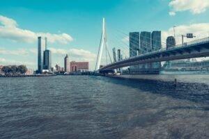 Rotterdam - Miles Vanderlooven via Unsplash