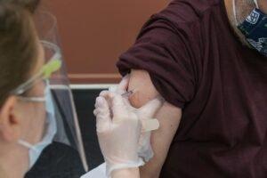 Vaccinatie - Steven Cornfield via Unsplash
