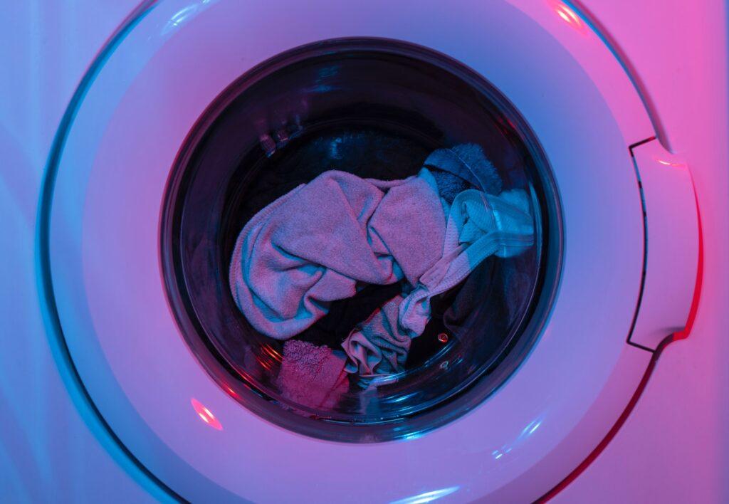 Wasmachine - engin akyurt via Unsplash