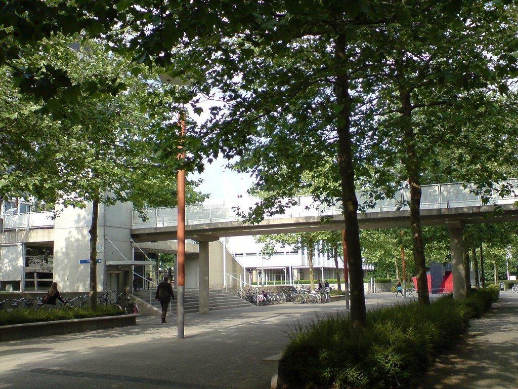 Archieffoto TiU-campus - door Clau Suanne2 via Wikimedia