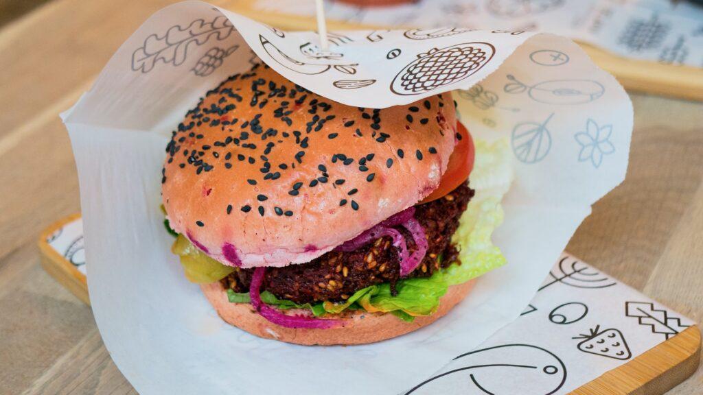 Veganistische burger - Grooveland Designs via Unsplash
