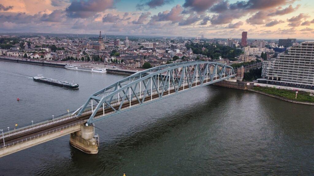 Nijmegen - Joran Quinten via Unsplash