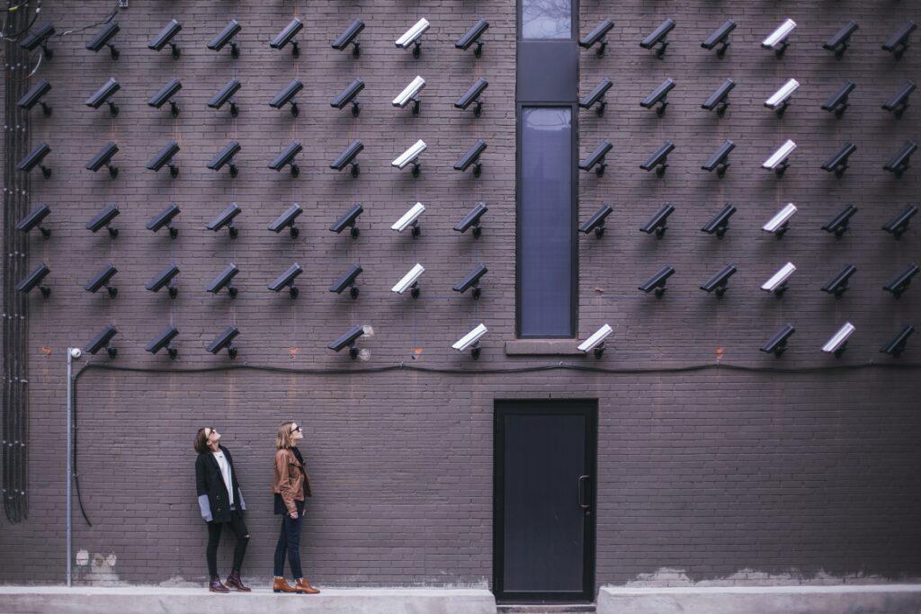 Camerabeelden - Matthew Henry via Unsplash