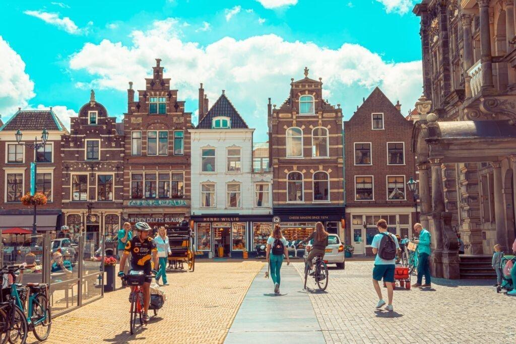 Delft - Folco Masi via Unsplash