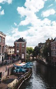 Utrecht - Bodi.raw via Unsplash