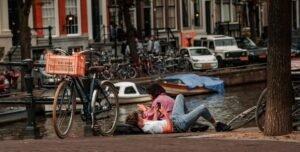 Amsterdam - Radu Chelariu via Unsplash